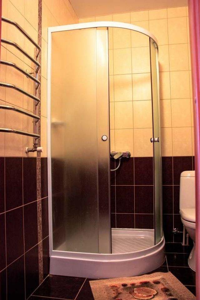 отдых в Ейске номер с туалетом и душем